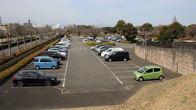 国営昭和記念公園の立川口駐車場です。
