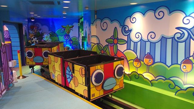 よこはまコスモワールドにある「ゲームライド『スモッグ王国大冒険』」の画像です。