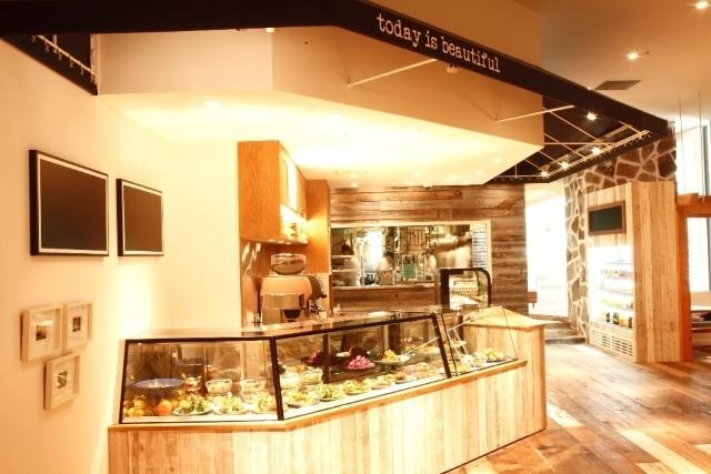 横浜にある「ロンハーマンカフェ みなとみらい店/RHC CAFE みなとみらい店」です。