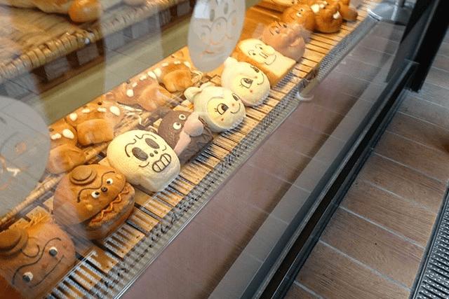 横浜アンパンマンミュージアムのカフェ情報!「アンパンマン」パンを食べよう!
