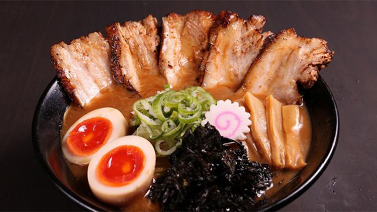 金沢濃厚豚骨ラーメン 神仙 アクアシティお台場店の料理です。