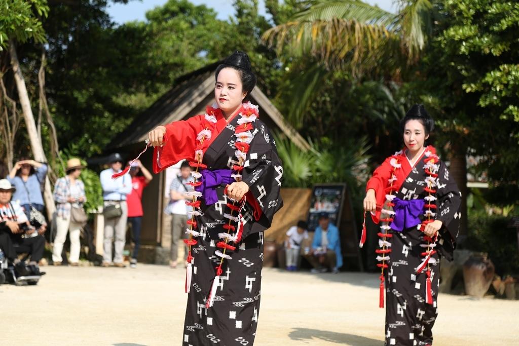 琉球村 踊り