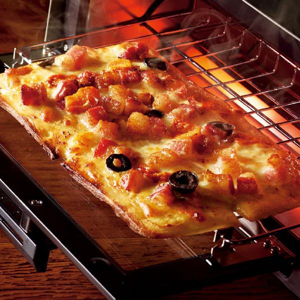 セブンプレミアム トリュフ香るイベリコ豚ベーコンとポルチーニソースピッツァ