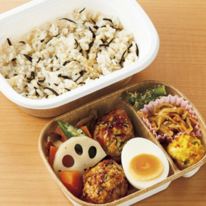 もち麦ひじきご飯と豆腐ハンバーグのお弁当