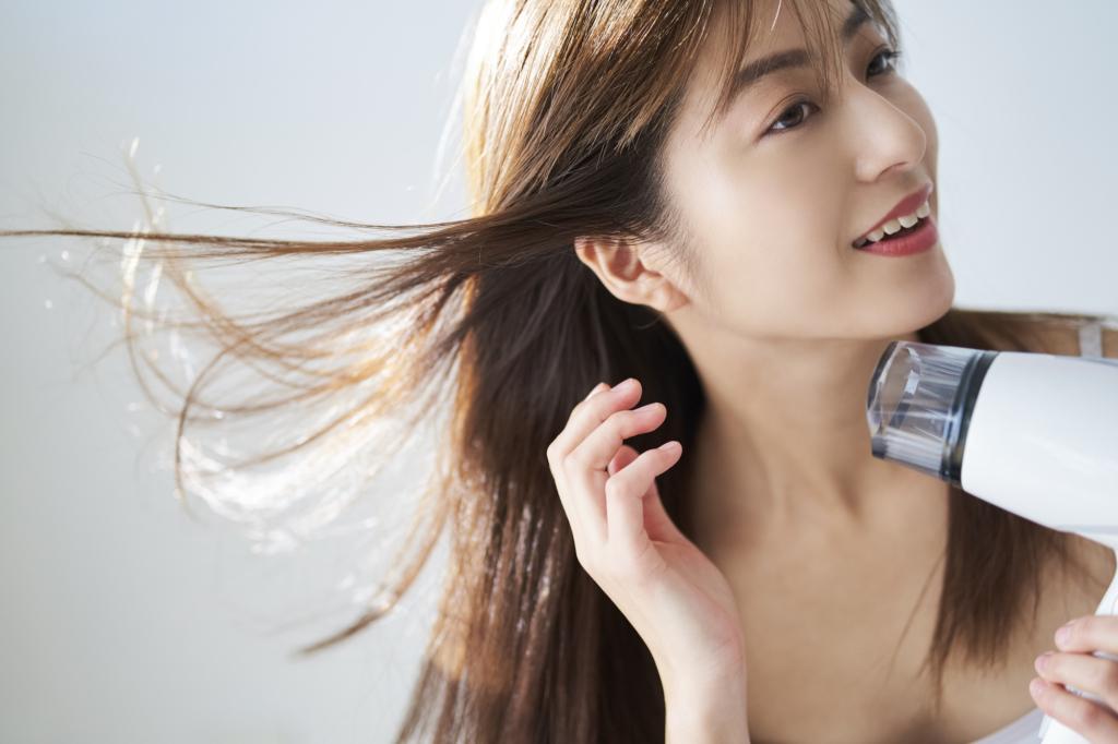 【大風量】速乾タイプのドライヤー15選!手早く美髪ケア♪静音&サロン用も