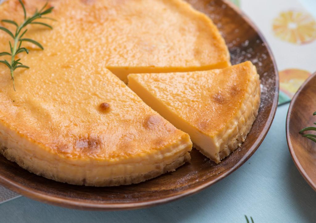 濃厚!お取り寄せチーズケーキ12選|やみつき間違いなし。バスク&レアチーズも