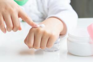 子供のハンドクリームおすすめ15選!高保湿で低刺激。手荒れケアにも