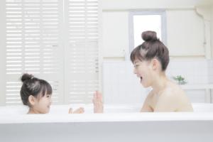 親子で使えるシャンプーおすすめ12選!時短でママも綺麗に。ダメージケアも