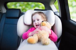 チャイルドシート用おもちゃ13選|長時間のドライブも快適♪ぐずり対策におすすめ!