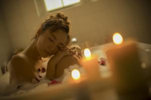 お風呂のリラックスグッズおすすめ14選|香り&美容ケアで極上バスタイム。ギフトにも