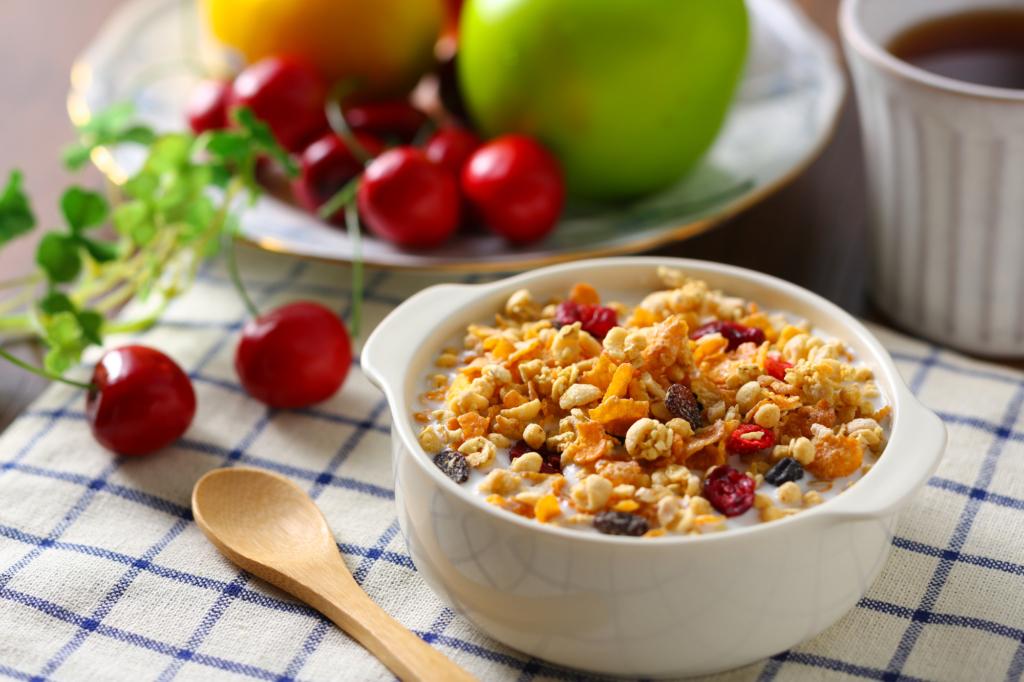 ダイエット中におすすめのシリアル13選 糖質オフ&食物繊維たっぷり!忙しい朝に♪