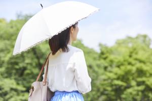 絶対焼かない!おしゃれな日傘おすすめ12選|UVカット・完全遮光で美白♪折りたたみも