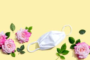 蒸れ&痛み防止!使い捨てマスクのおすすめ14選|小顔見えや血色カラーでおしゃれ♪