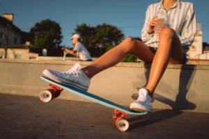小型も!電動スケートボード8選 初心者におすすめの低速モード付き。選び方解説