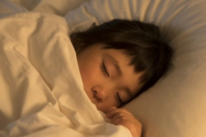 子どもの寝る前の過ごし方の工夫。睡眠時間はどれくれい?何時に寝てる?
