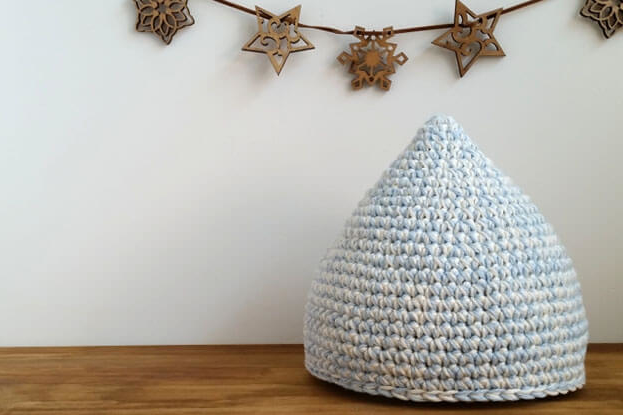 かぎ針編み初心者のススメ。赤ちゃんグッズを100均の材料で作ってみよう