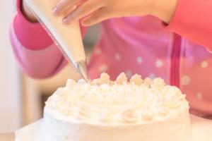 もう失敗しない!手作りの誕生日ケーキのデコレーション