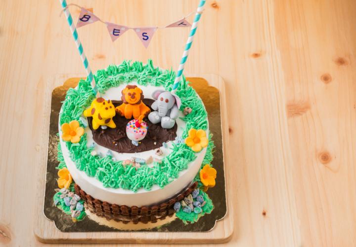 2歳の誕生日 キャラクターケーキ