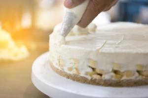 失敗しない手作りケーキのホイップ・デコレーションの作り方