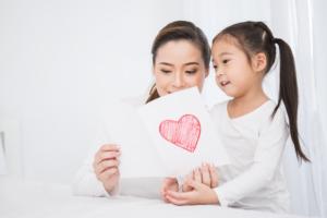 親から子供に贈るバースデーカード!子供向けメッセージの書き方
