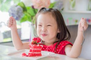 子供が大喜び!人気キャラクターのイラストケーキ!