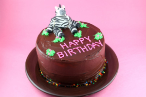 普通のケーキに飽きたなら…珍しいバースデーケーキを用意!