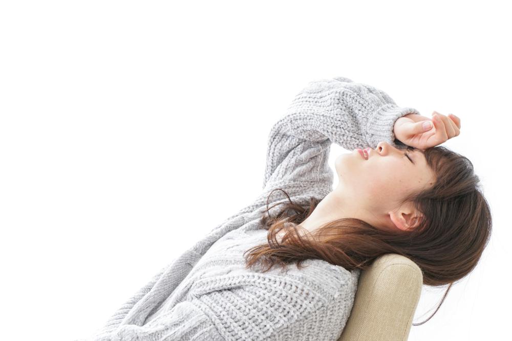 産後の頭痛がひどい!めまいや吐き気。貧血やストレスかも【医師監修】