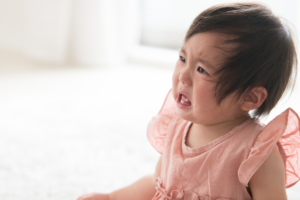 2歳児の癇癪がひどい!対応とイライラ解消法は?奇声や泣き止まないなど