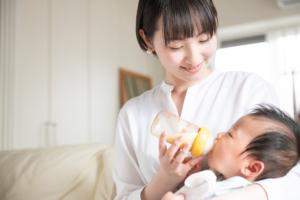 母乳量を増やす方法まとめ。食べ物や飲み物、運動や習慣|栄養士監修