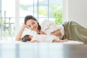 赤ちゃんの寝かしつけ方のコツ。NGや抱っこ以外の方法も|看護師監修