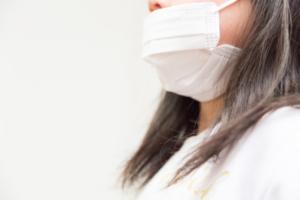 咳が止まらない!マイコプラズマ肺炎の対処法。食べ物や薬も|医師監修