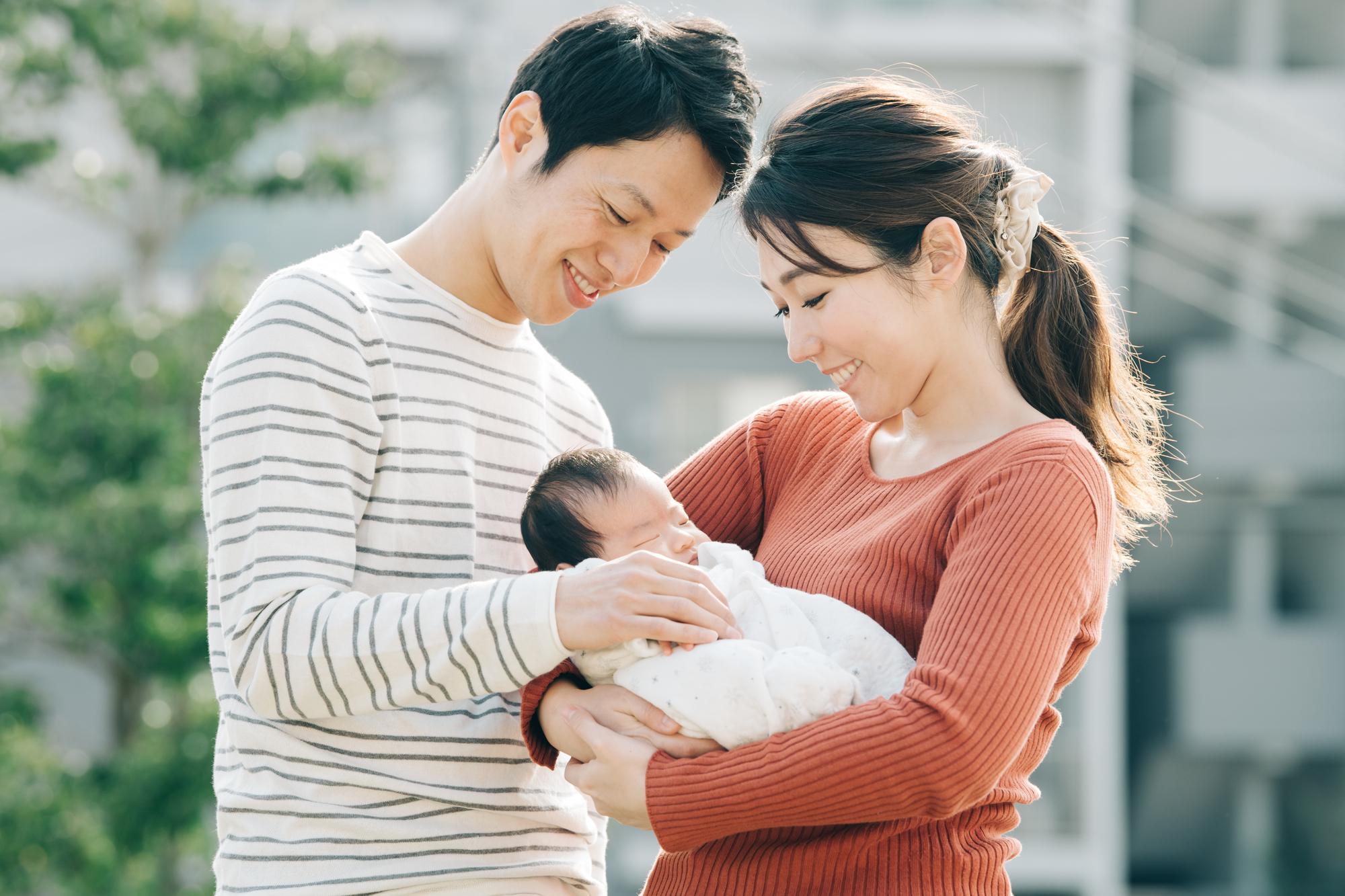 産後のママとパパ