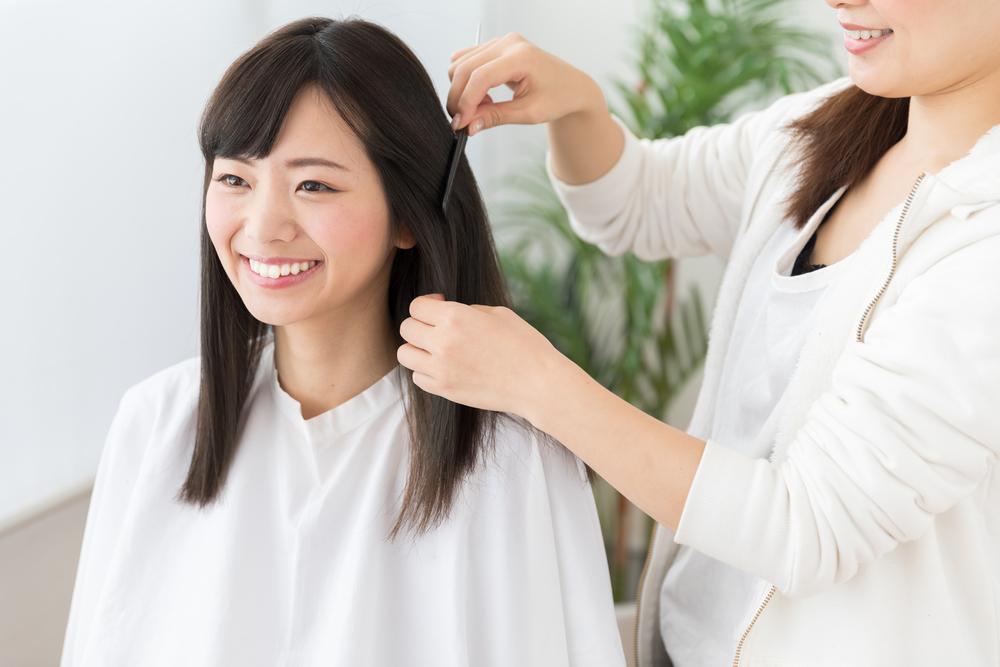 産後のヘアカラー|いつからOK?授乳や抜け毛への影響【医師監修】