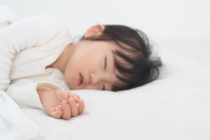 子どものいびき、うちの子大丈夫?原因と対策。病気の心配|医師監修