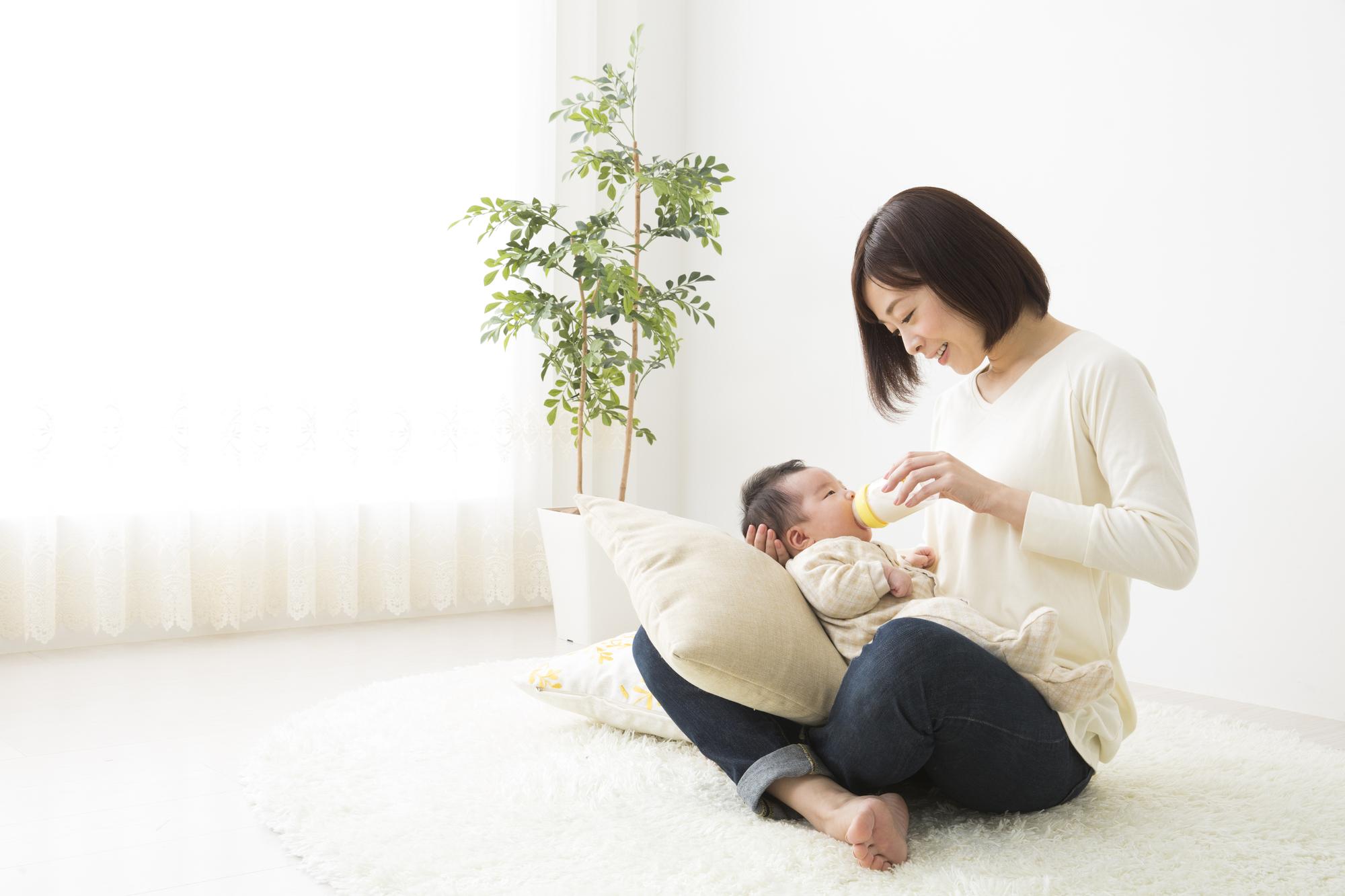 母乳育児のメリット&デメリット!軌道に乗るまでの流れ|医師監修