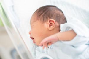 赤ちゃんの胃腸炎!早く治す方法は?下痢はいつまで?|医師監修