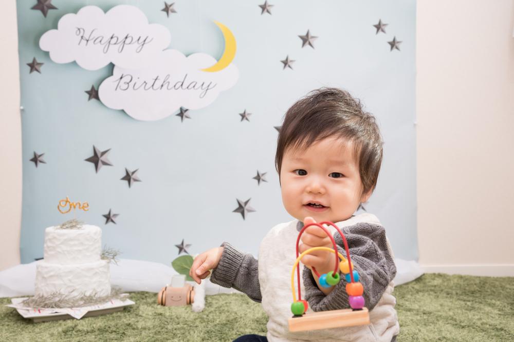 1歳児の言葉の発達目安。言葉が出ないときは?教え方も|看護師監修