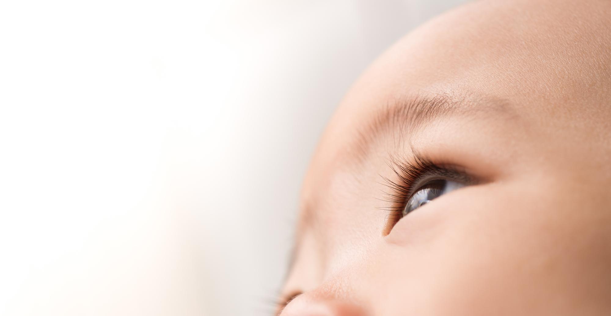 newborn baby eye mucus