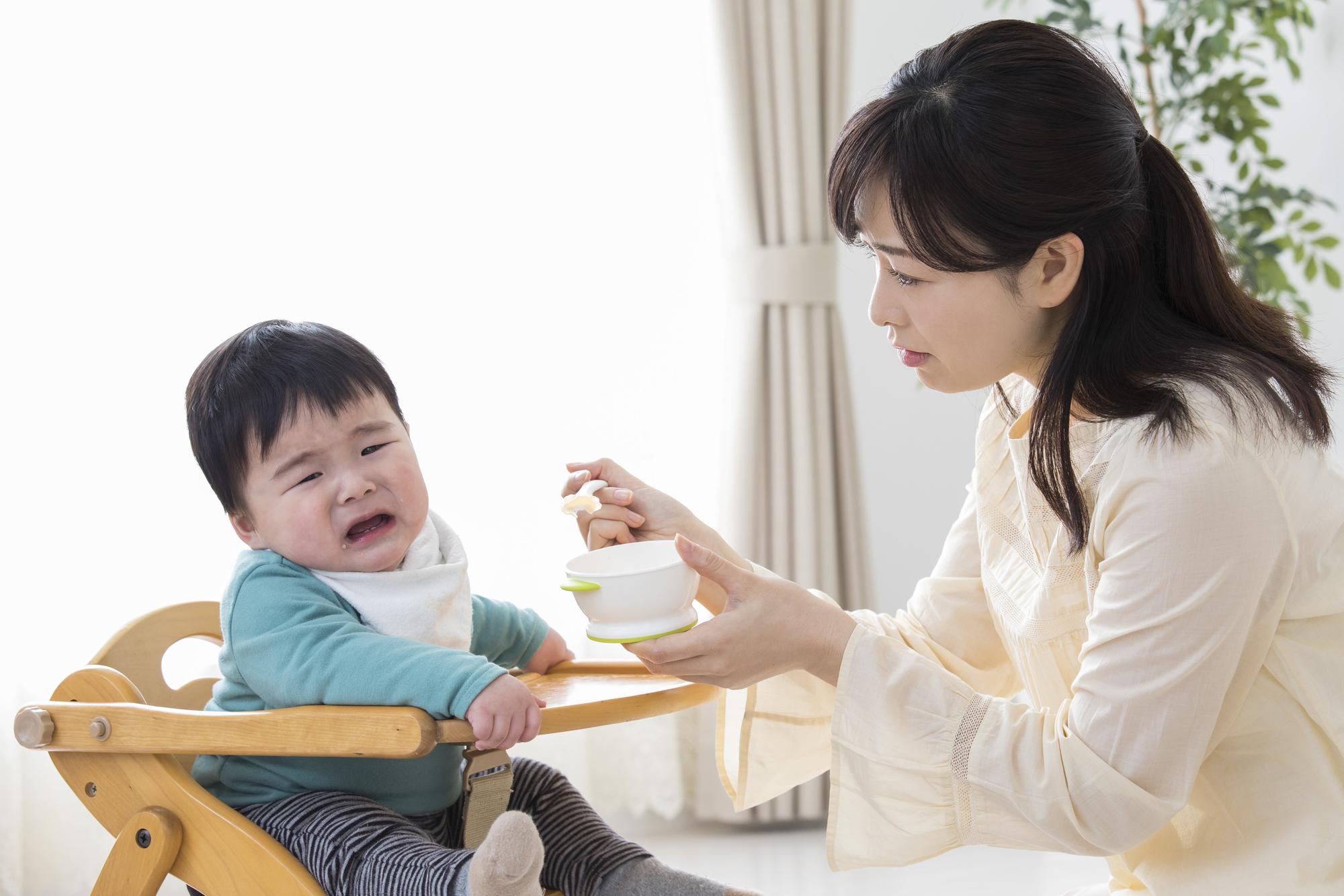 ご飯を食べない1歳児