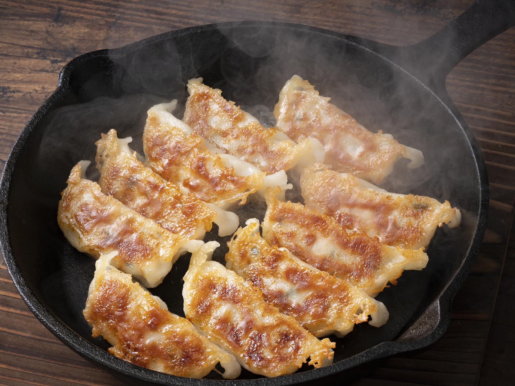 餃子のコツ|美味しく作るための簡単ポイント6つ!包み方&焼き方も