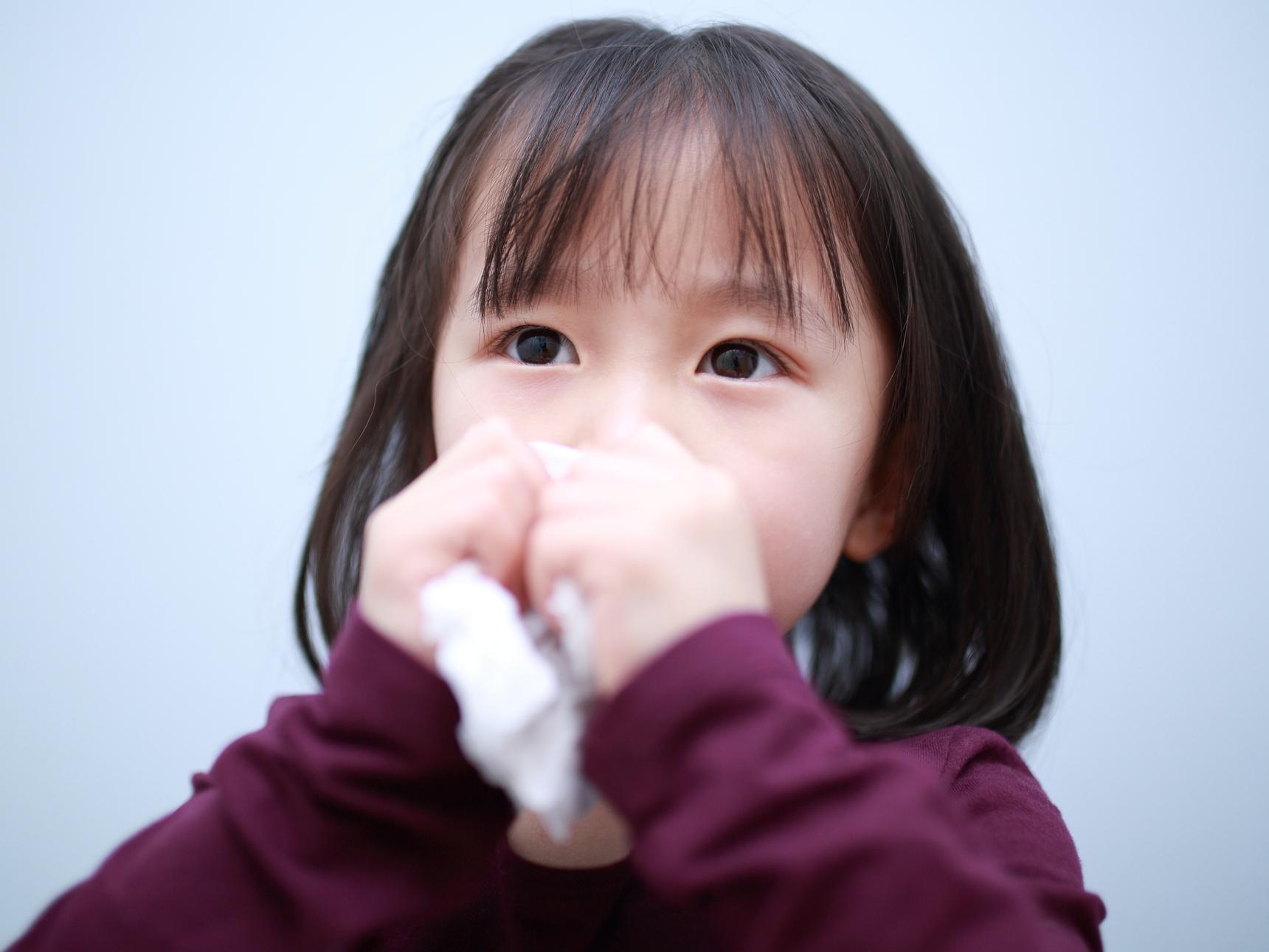 子供の乾いた咳