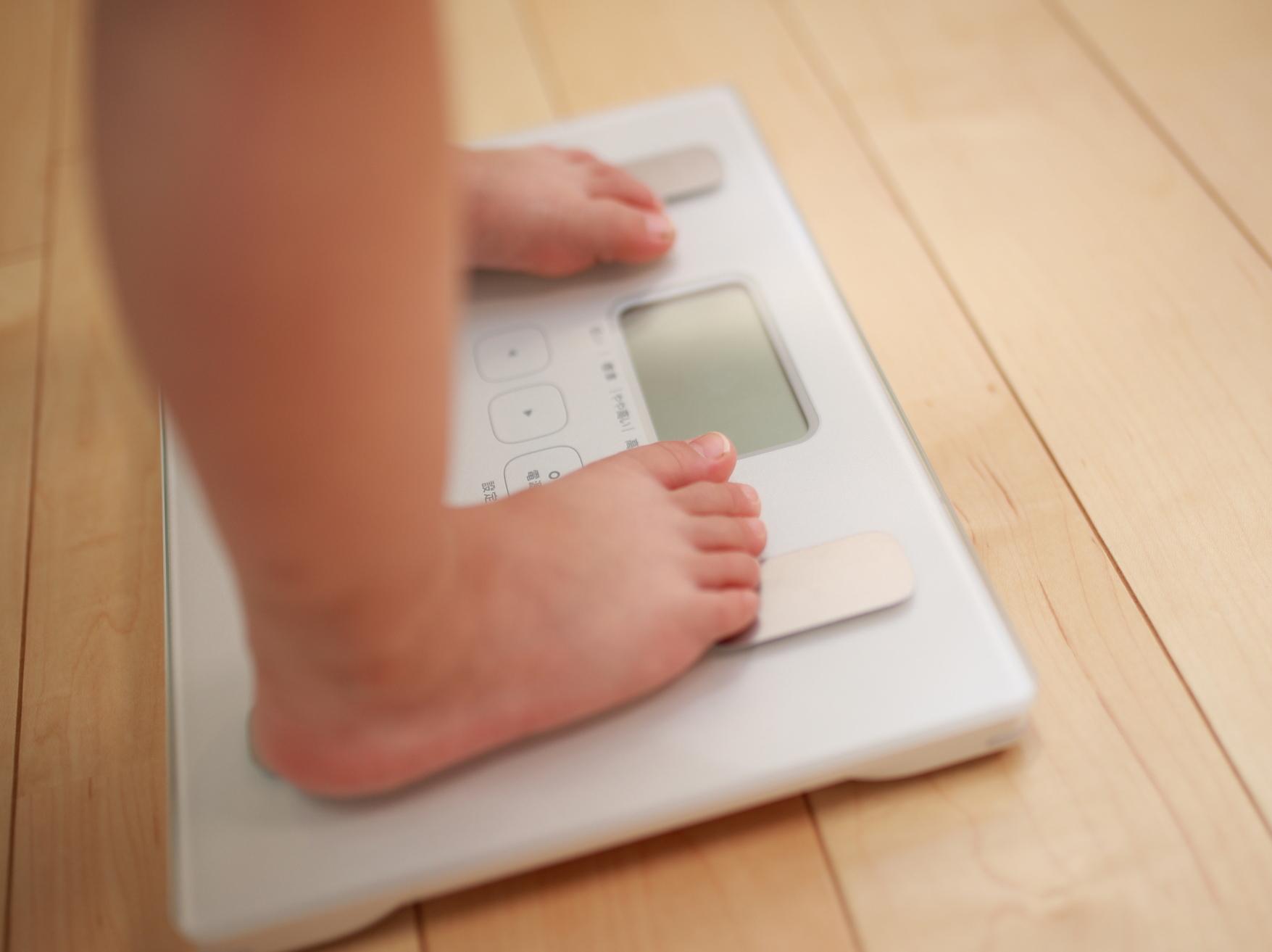 【医師監修】子どもの肥満を治すには?肥満度チェック&4つの対策