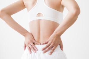 妊娠超初期は腰痛がひどい?どんな痛み?いつから痛い?【医師監修】