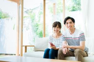 仲良し夫婦の「夫婦円満の秘訣」今すぐマネできる!育児・会話のコツ