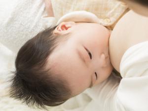 【体験談】母乳育児がつらい!疲れた…やめてもいい?乗り切る方法も