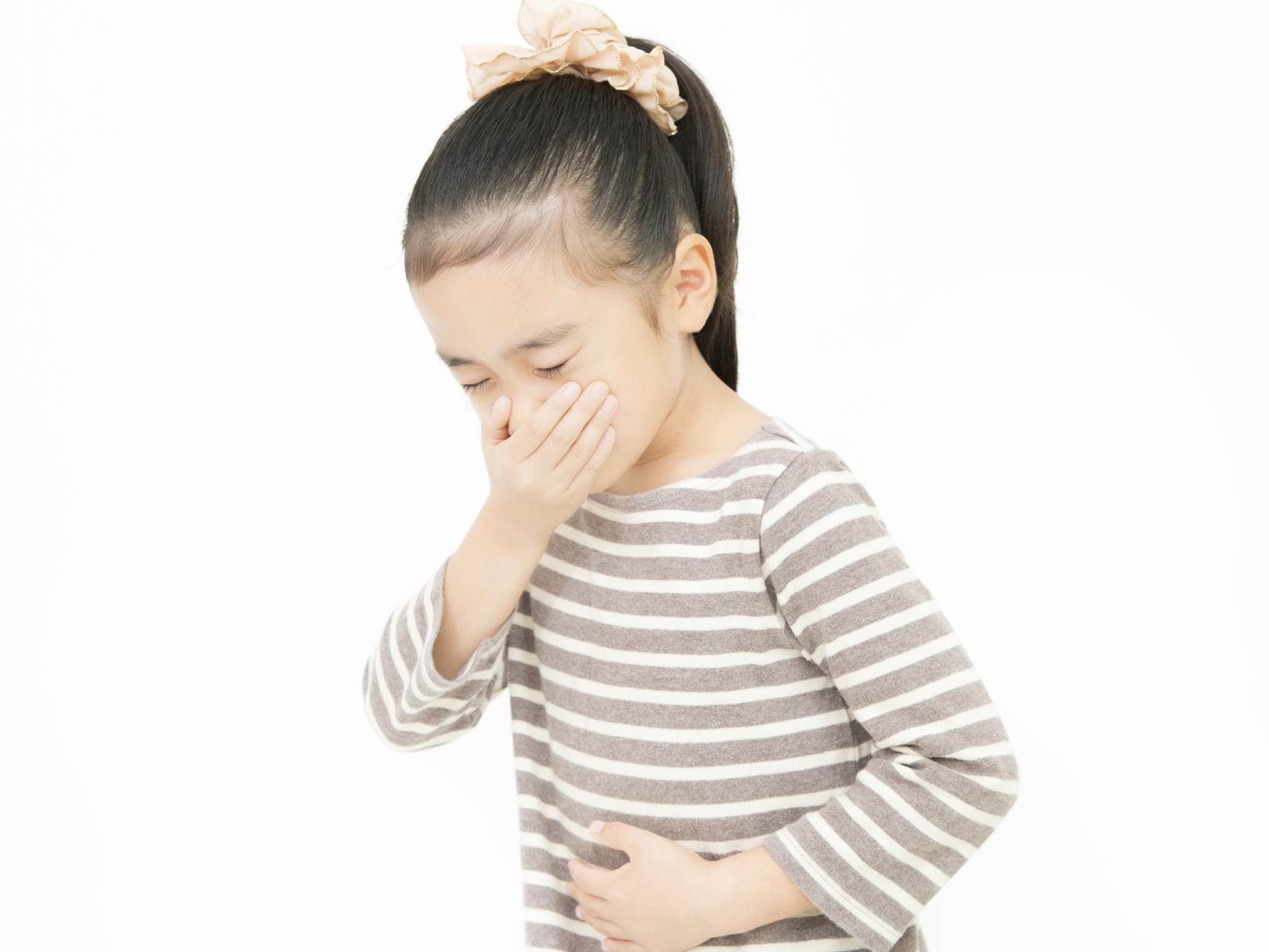 子どもの嘔吐の受診タイミング
