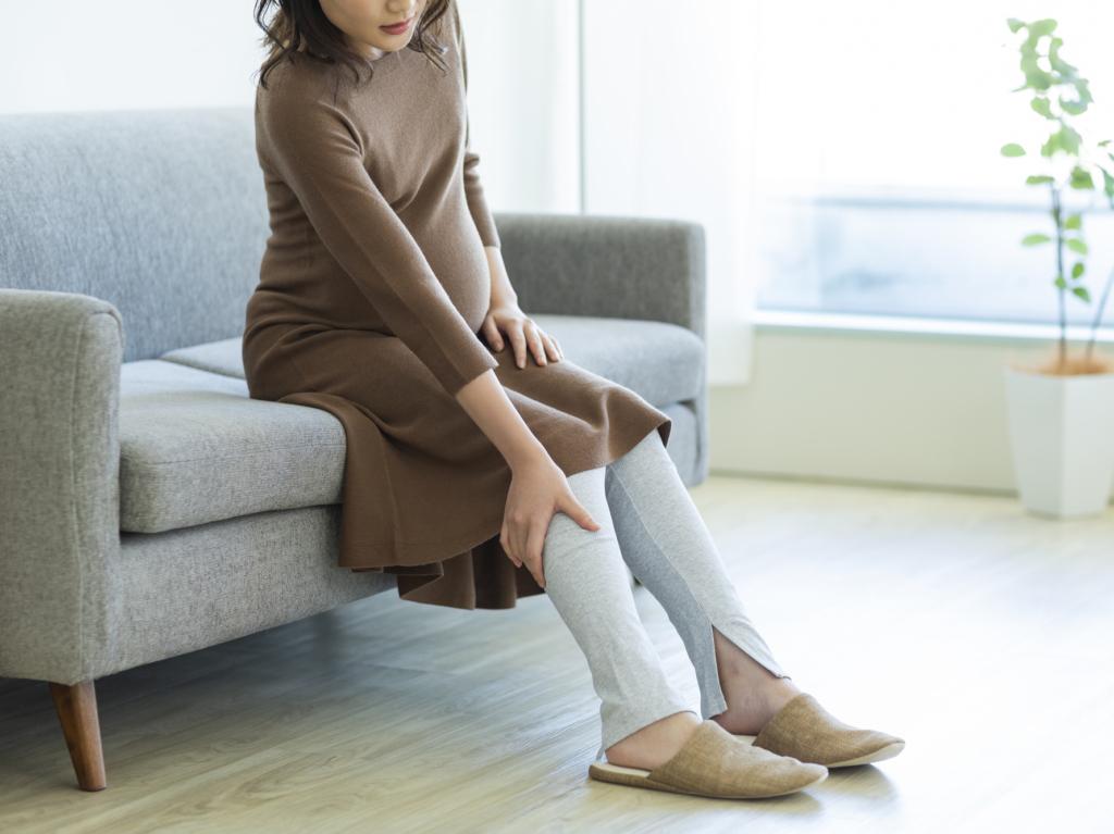 痛み 足 妊娠 後期 の 妊娠中に起こる足のしびれの原因と4つの対処法