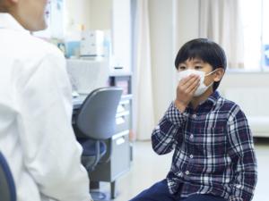 マイコプラズマ肺炎の症状チェック!早く治すには?自然治癒する?