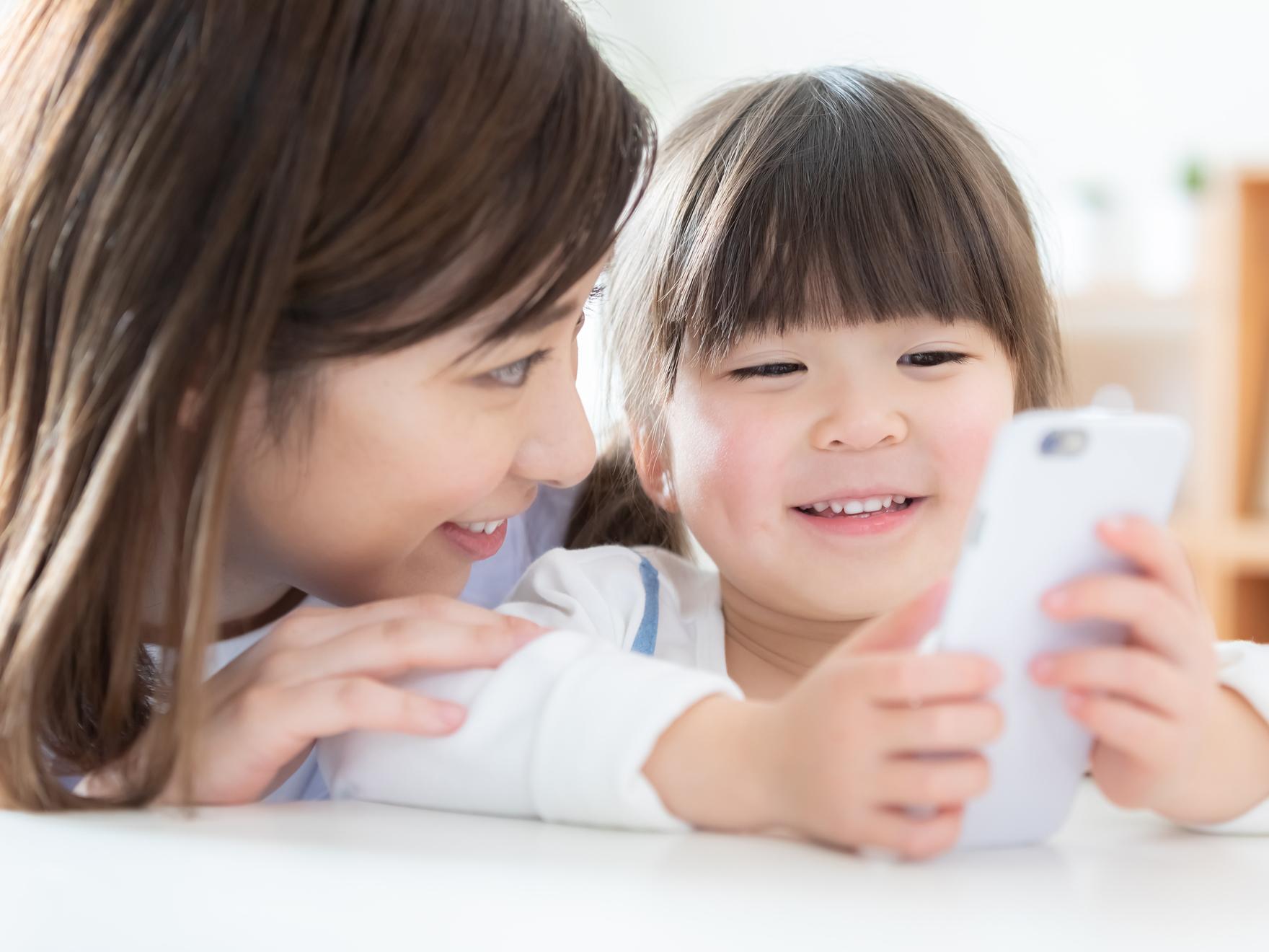 子どものスマホ依存をやめさせたい!「この方法で成功した」5つの対策