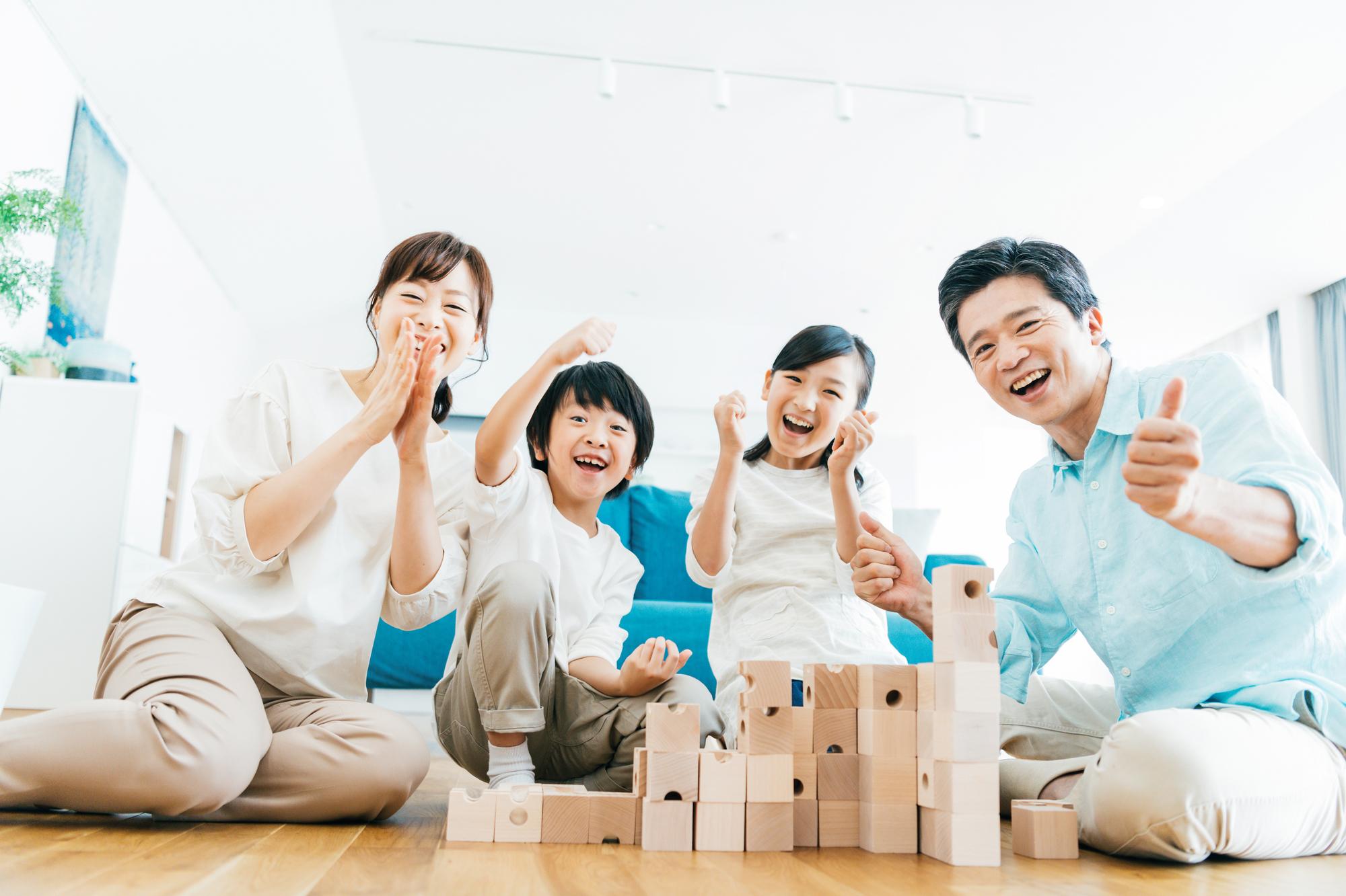 【小学生の子どもが喜ぶ!室内遊び】ユニーク&長く遊べるアイデアも